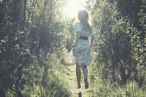 记忆就像是握在手中的水,不管你握紧还是摊开都会慢慢的消失。