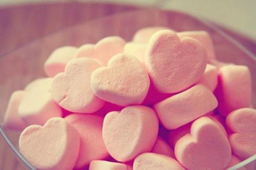 百度也搜不到的好句子,开不了口的是,我还爱你;掩盖不住的是,我还想你。