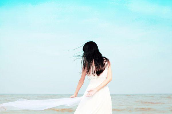 花自己的钱,才能花的风光,走自己的路,才能走到远方。倔强不屈的心,永远炙热滚烫。