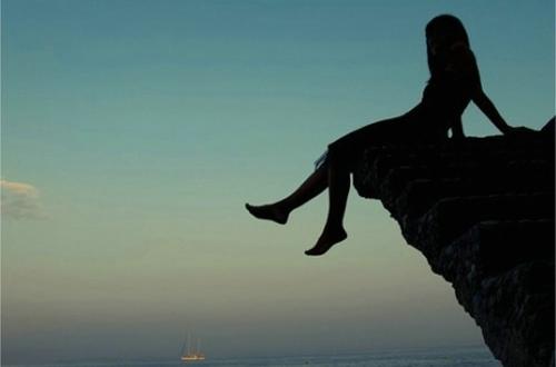 凡是过于期待的事情,都难有惊喜,多是失望。