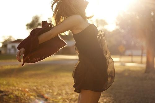 喜欢如潮,自遇见未涨停;思念如马,自别离未停蹄。
