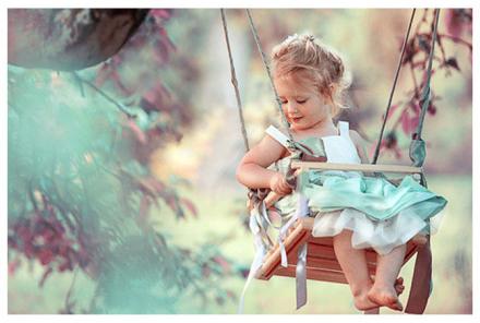 没有谁能左右你的情绪,只有你自己不放过自己,谁心里没有故事,只是学会了控制。