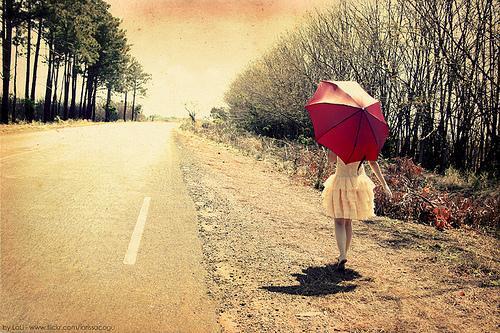 心累了,该放下了,不要去回忆,回忆只会让我的相思加重。