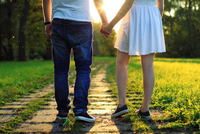 我爱的人不是我的爱人,他心里的每一寸都属于另外一个人。