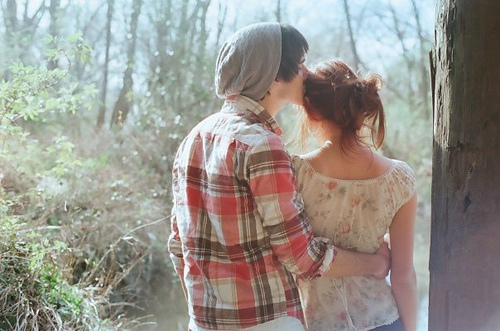人只要没有失去记忆,就能够在梦中与故人相见。