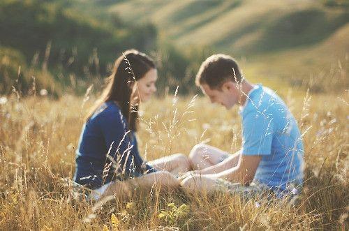这世上最难堪的事不是他不爱你,而是他说很爱很爱你,最后却轻易地放弃了你。